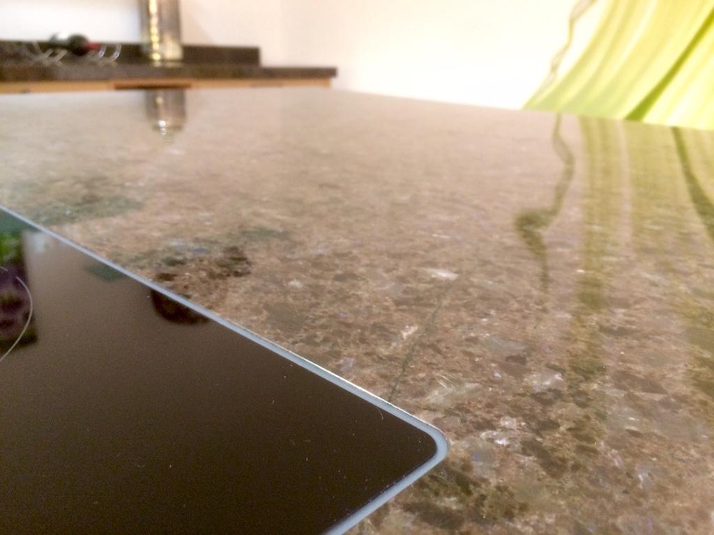 Küche steinplatte  Arbeitsplatten aus Granit/Naturstein - Küchen-Info