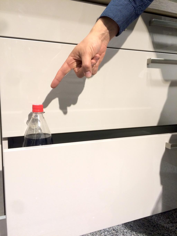 sockel k che 16 cm kleine k che welche fliesen gartenschlauch wasserhahn arbeitsplatte schiefer. Black Bedroom Furniture Sets. Home Design Ideas