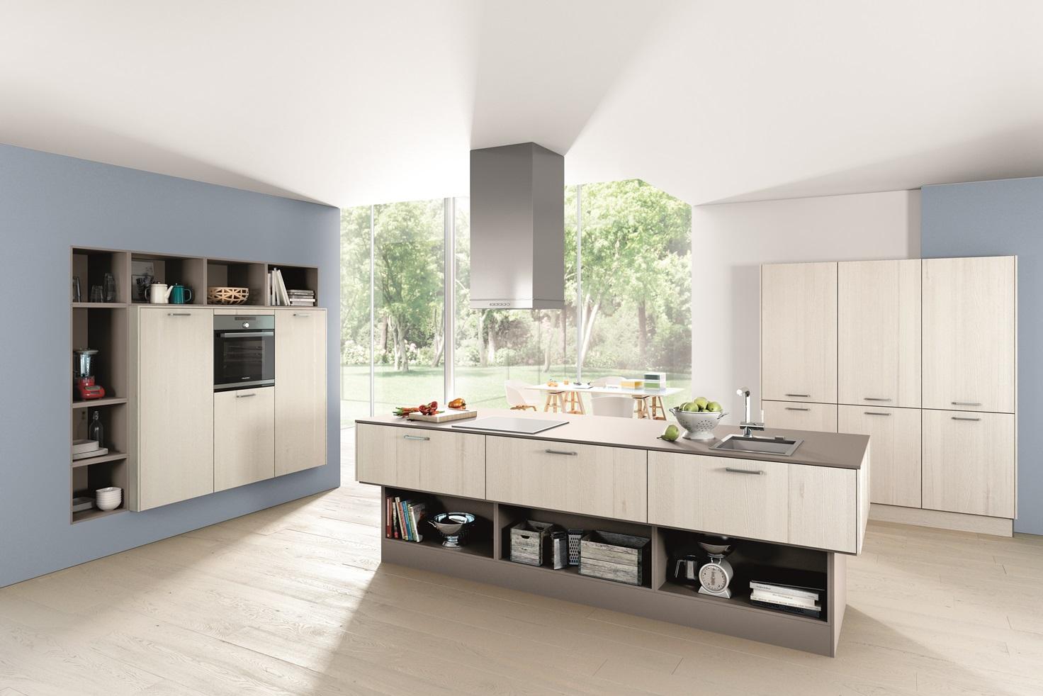 Sollte Es Bei Den Installationen In Der Mitte Des Raumes Probleme Geben,  Kannst Du Natürlich Auch Die Kücheninsel Rein Als Arbeitsinsel Verwenden.
